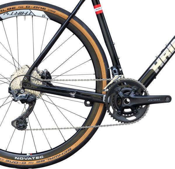 Scorpion Carbon Monocoque Gravel Bike von Sport Hrinkow Hineransicht